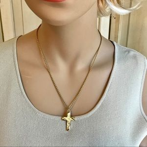 Jewelry - Gold tone cross necklace